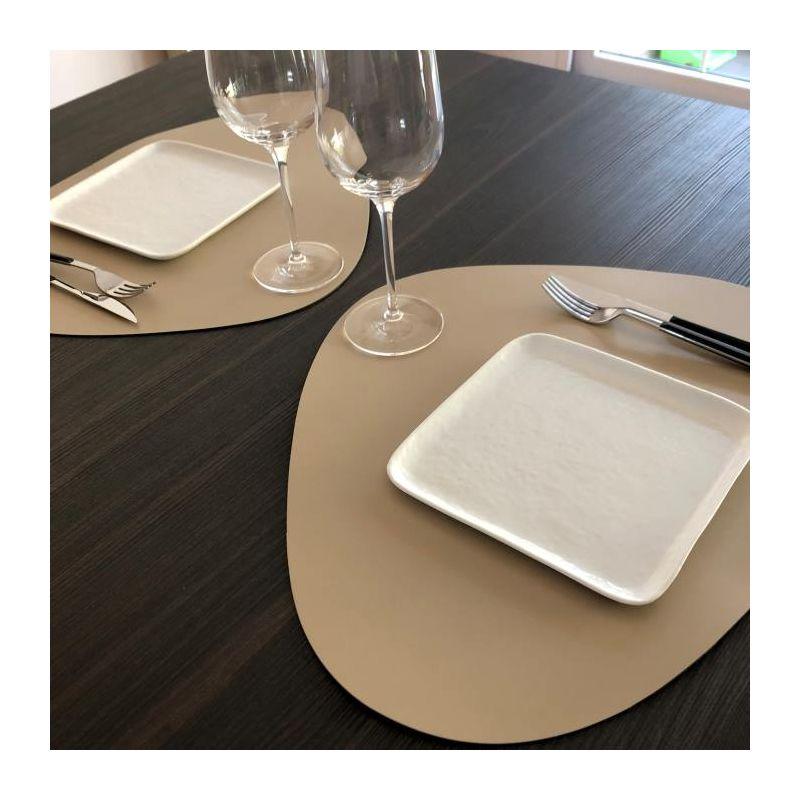 set-cuir-restaurant-beige